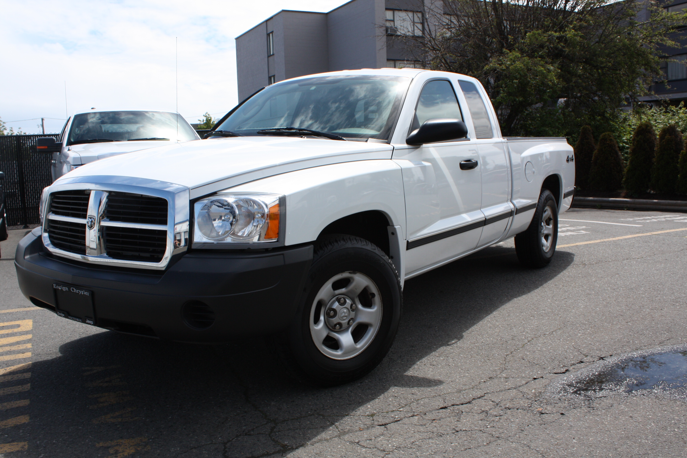 2005 Dodge Dakota 2dr Club Cab Slt 4wd Sb 3 7l 6cyl